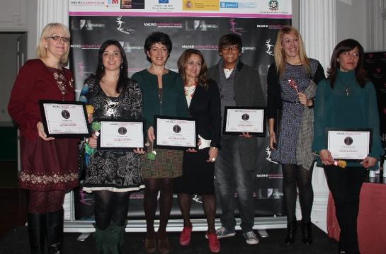Isabel Corell, la segunda por la izquierda, junto con Carmen M. García, directora de MADRID WOMAN'S WEEK, y el resto de 'Influyentes 2.0' 2013.