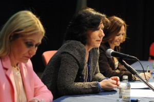 Carmen Mª García, presidenta de Fundación Woman's Week, Helena Herrero, presidenta para España y Portugal de HP, y Teresa Jiménez Becerril, eurodiputada, durante la IV Semana Internacional de la Mujer (Marzo 2014).