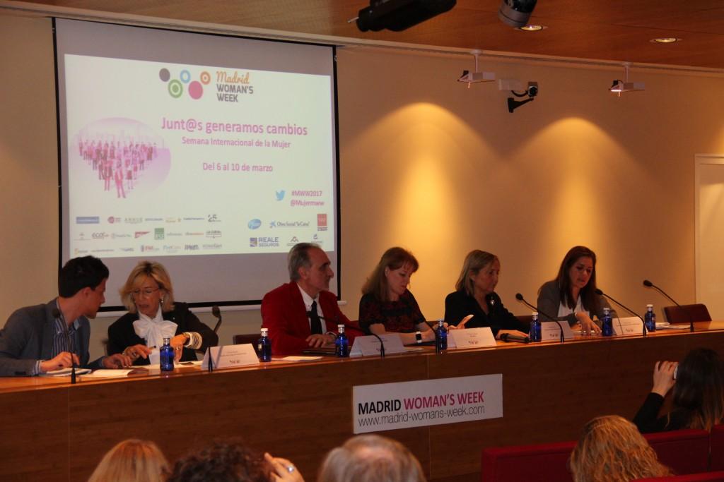 Pina Amarelli (Il Sole 24 Hore), Salvador Molina (Telemadrid), Gloria Lomana (ex Antena 3), Belén Junco (Hola), y Pilar Suárez-Inclán (Reale)