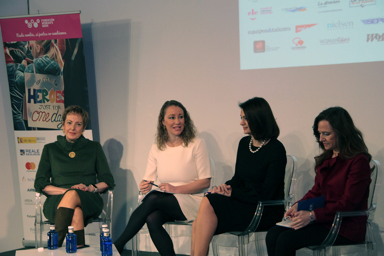Roberta Lajous Vargas, embajadora de México en España; Koula Sophianou, embajadora de Chipre en España; Teresa Jiménez Becerril, eurodiputada, y Ana Collado, consultora de asuntos públicos.
