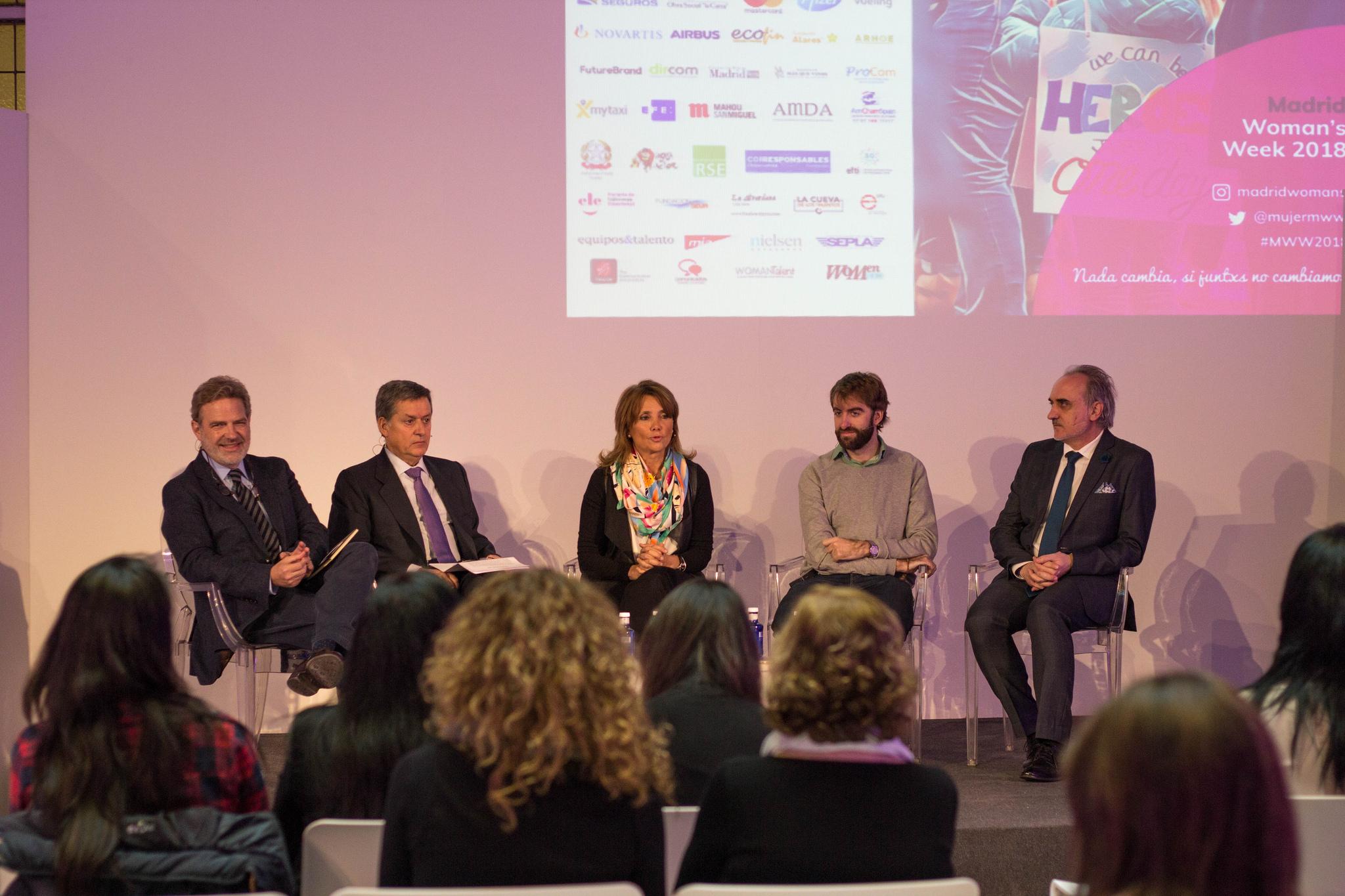 """Guillermo López Cediel, José Antonio Granero, Elsa Martí Barceló, Arturo Benlloch y Salvador Molina en la mesa """"Hombres sin Afeitar"""""""
